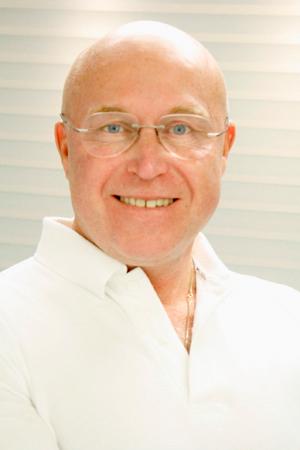 Dr Rolf Lindman
